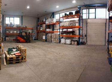 AutoRZ Our warehouse spaces