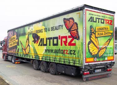 Motýlek: tahač MAN TGX + odlehčený mega návěs Schwarzmüller