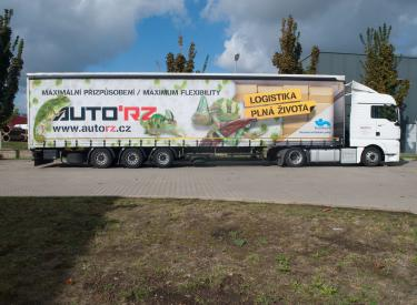 Truck for 38 pallets, height 3 m, capacity 24 tons.