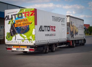 Hovnivál - logistika plná života - Auto RZ